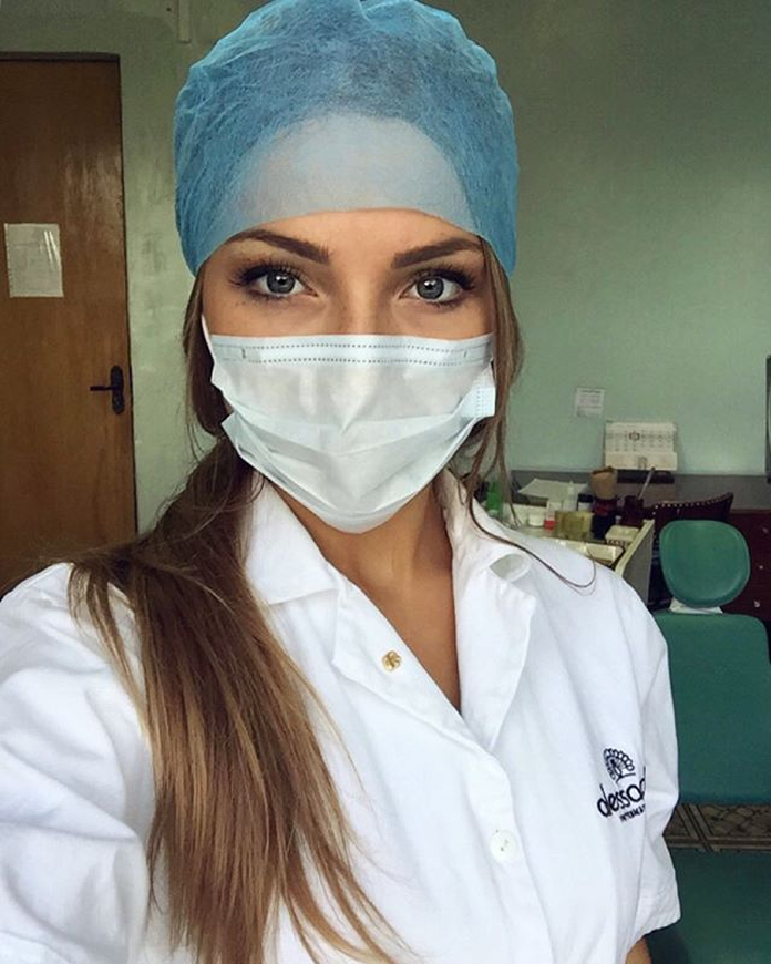 Frennechka-mladá-zubárka-z-Bieloruska-8